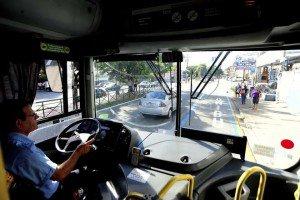 Projeto de ônibus gratuito a alunos do Prouni